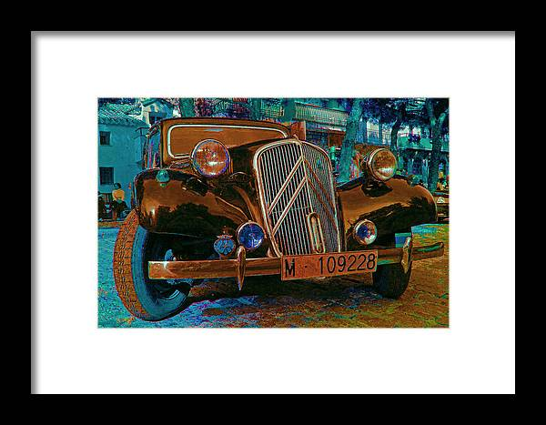 Citroen Photographs Framed Print featuring the photograph Happy Old Citroen by John Scholey