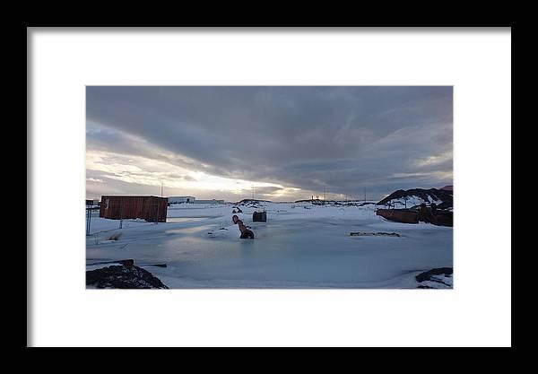 Landscape Framed Print featuring the photograph Hofn by Sigfrido Estudiante