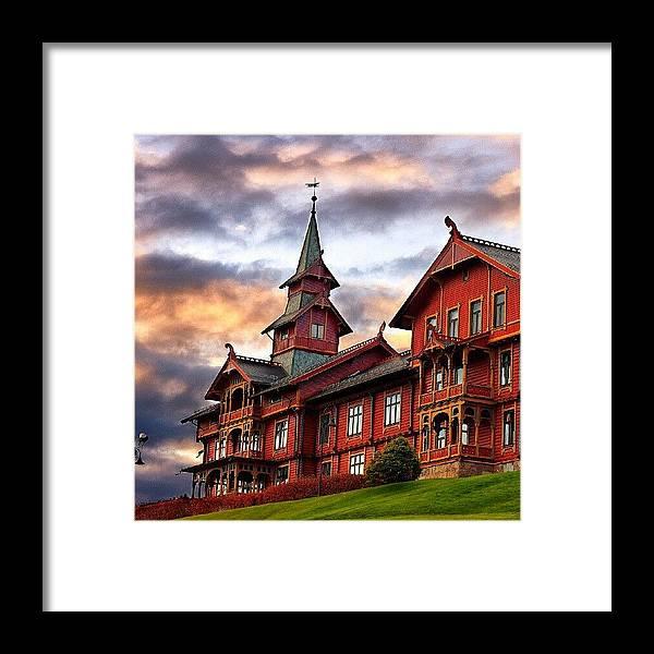 House Framed Print featuring the photograph Holmenkollen hotell by Torbjorn Schei