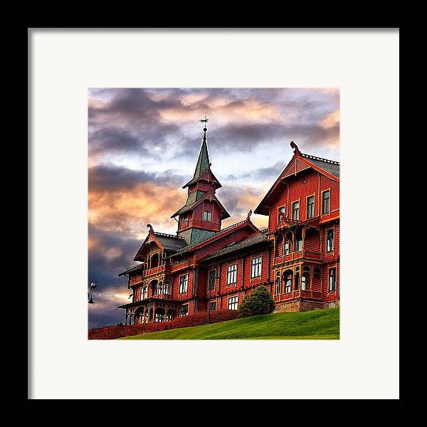 House Framed Print featuring the photograph Holmenkollen Hotell by Torbjorn Schei