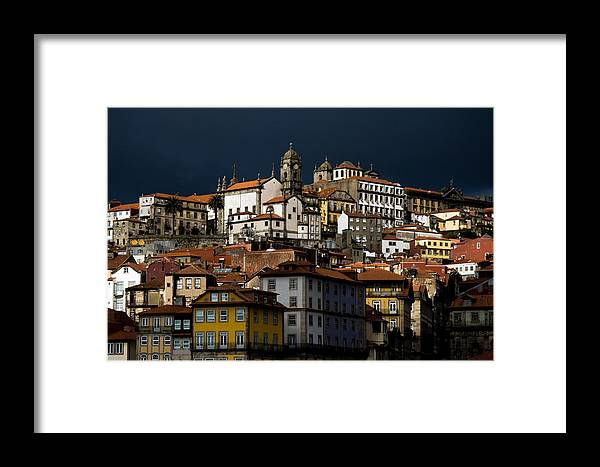 Building Framed Print featuring the photograph Houses Of The Slope by Nelson Mineiro