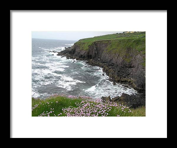 Water Framed Print featuring the photograph Ireland Beauty by Jeanette Oberholtzer