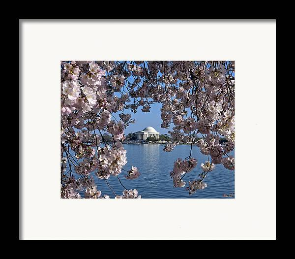 Washington D.c. Framed Print featuring the photograph Jefferson Memorial On The Tidal Basin Ds051 by Gerry Gantt