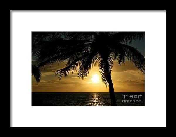 Aloha Framed Print featuring the photograph Kai Makani Hoohinuhinu Kihei by Sharon Mau
