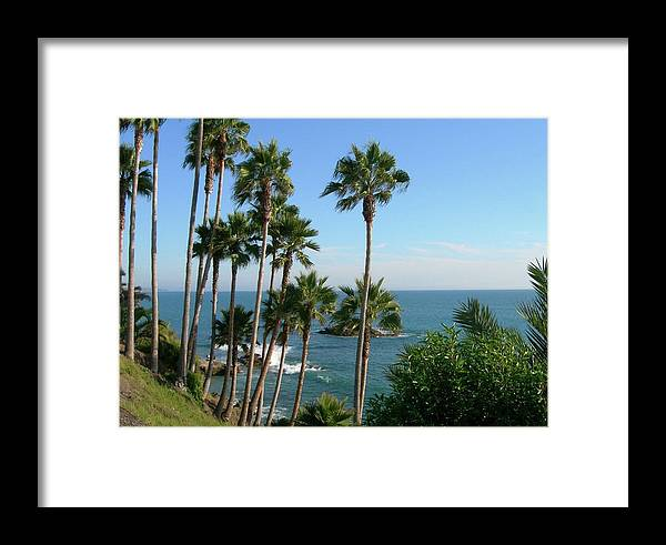 Beach Framed Print featuring the photograph Laguna Beach, Southern California 2 by Larysa Kalynovska