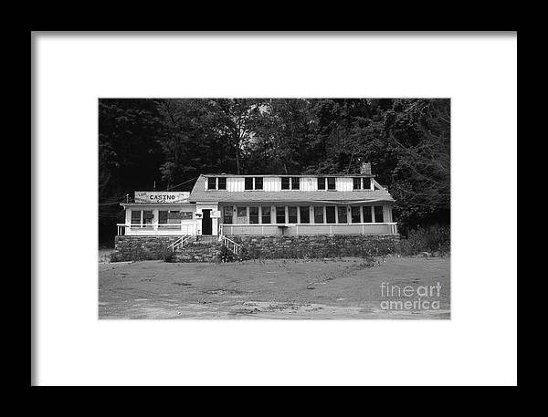 Connecticut Framed Print featuring the photograph Lake Waramaug Casino by Richard Rizzo