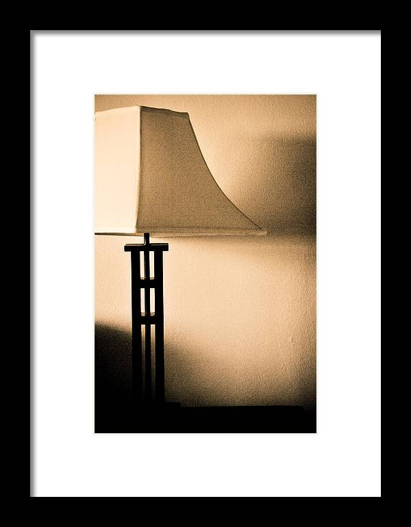 Lamp Framed Print featuring the photograph Lamp by Roberto Bravo