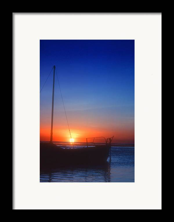 Ocean Framed Print featuring the photograph Last Light by Stephen Anderson