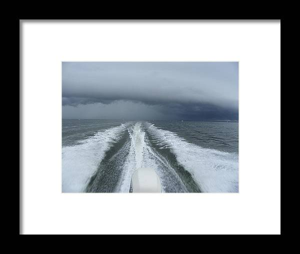 Motorboat Framed Print featuring the photograph Leaving The Scene by Sheri McLeroy