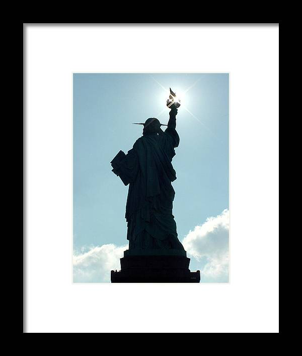 Statue Of Liberty Framed Print featuring the photograph Liberty V02 by Tim Mattox