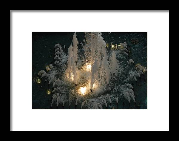 Lights Framed Print featuring the photograph Lighted Fountain by Rob Hans