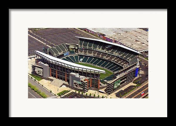 Lincoln Financial Field Framed Print featuring the photograph Lincoln Financial Field Philadelphia Eagles by Duncan Pearson