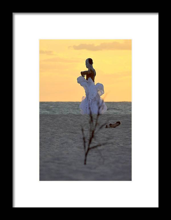 Framed Print featuring the photograph Lirio by Lenin Caraballo