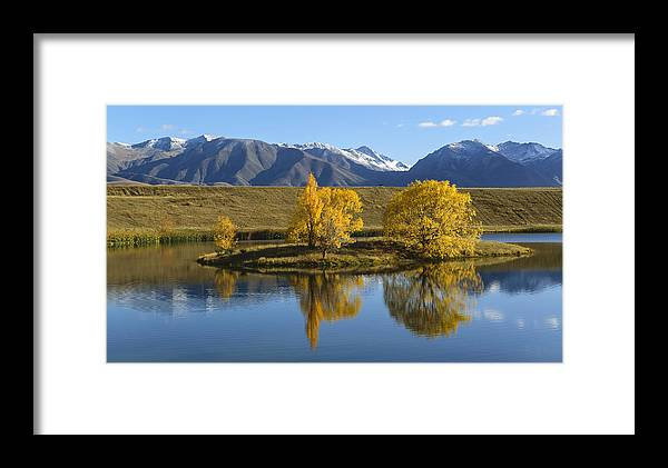 Landscape Framed Print featuring the photograph Loch Cameron by Robert Green