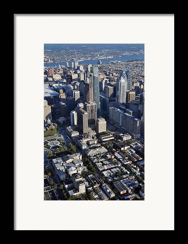 Philadelphia Framed Print featuring the photograph Logan Square Philadelphia by Duncan Pearson