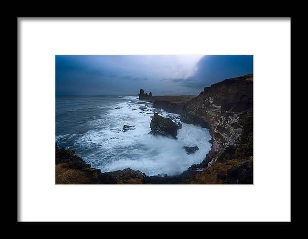 Framed Print featuring the photograph Londrangar by Tor-Ivar Naess