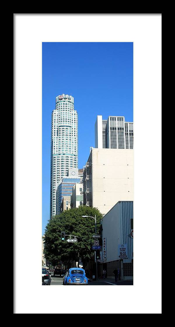 Skyscraper Framed Print featuring the photograph Los Angeles 0586 by Edward Ruth