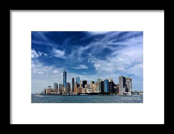 Manhattan Framed Print featuring the photograph Manhatten 2 by Vickie Shelton