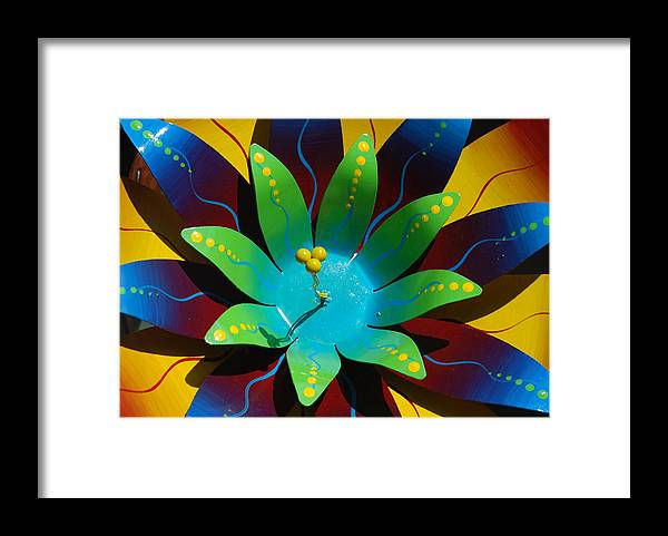 Sculpture Framed Print featuring the photograph Metallic Flora by William Thomas