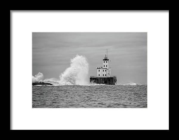 Breakwater Lighthouse Framed Print featuring the photograph Milwaukee Breakwater Lighthouse by Paul Schultz