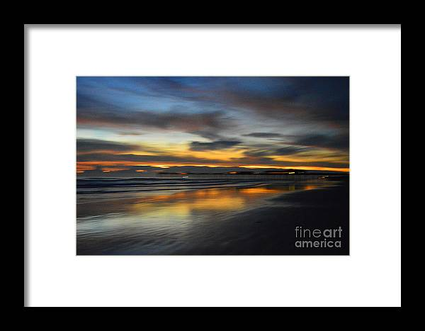 Beach Framed Print featuring the photograph Mirror by Rob Felton