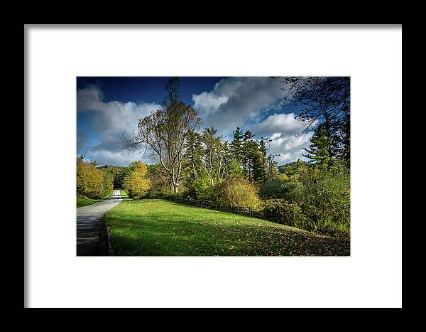 Landscape Framed Print featuring the photograph Mountain Parkway by Larry Jones