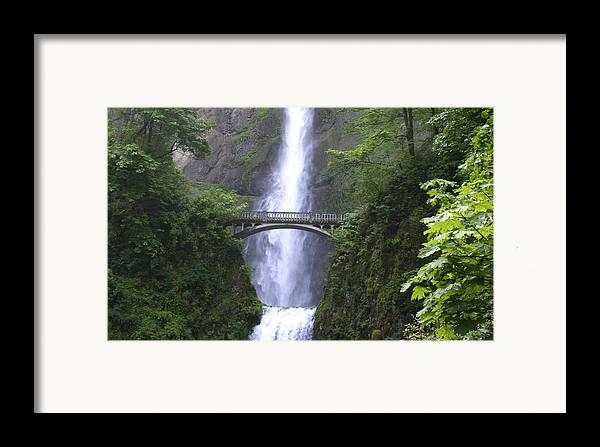 Waterfall Framed Print featuring the photograph Multnomah Falls Wf1051a by Mary Gaines