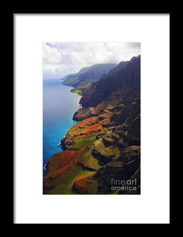 Beaches Framed Print featuring the photograph Napali Coast 1 by Greg Clure