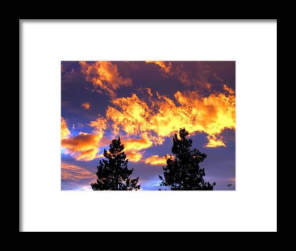 Sunset Framed Print featuring the photograph Okanagan Sunset by Will Borden