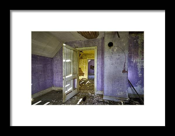 Beautiful Photos Framed Print featuring the photograph Old House 2 by Roger Snyder