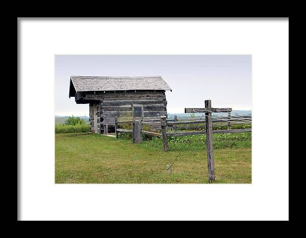 Cabin Framed Print featuring the photograph Old Prairie Home by Carolyn Fletcher