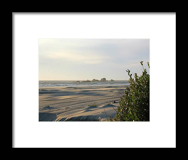 Photo Framed Print featuring the photograph Oregon Beach At Dusk by Mirinda Kossoff