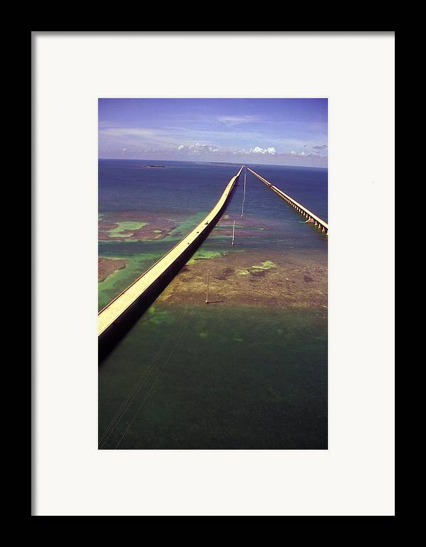 U.s. 1 Framed Print featuring the photograph Overseas Highway by Carl Purcell
