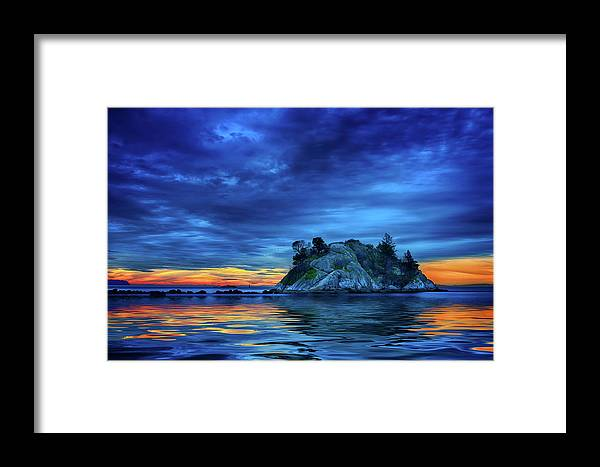 Ocean Framed Print featuring the photograph Pacific Sunset by John Poon