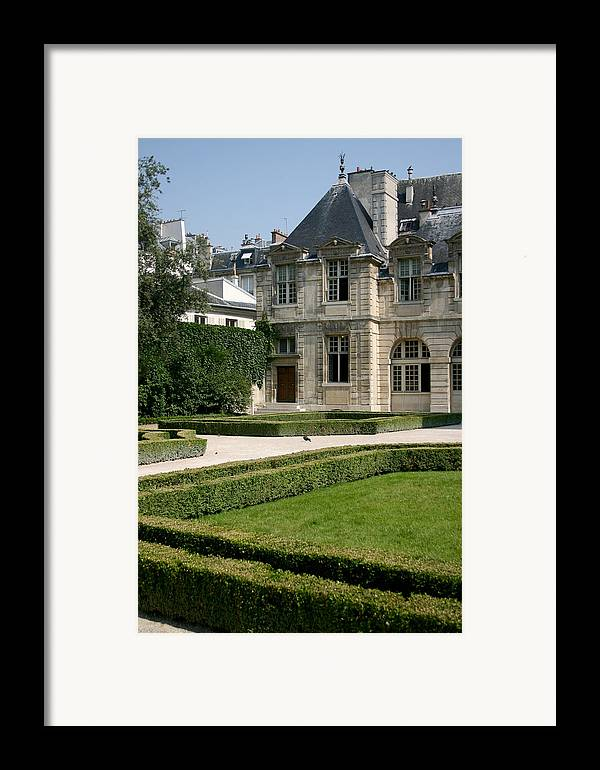 Framed Print featuring the photograph Paris - Architecture by Jennifer McDuffie