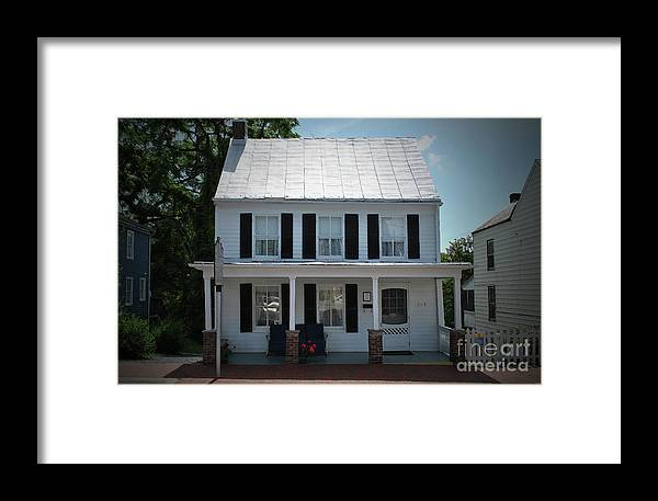 Patsy Framed Print featuring the photograph Patsy Cline Home by Jost Houk