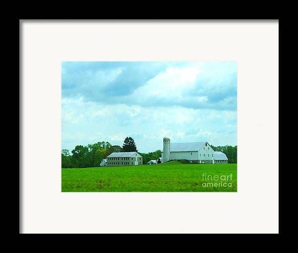 Landscape Framed Print featuring the photograph Pennsylvania Barn by Judy Waller
