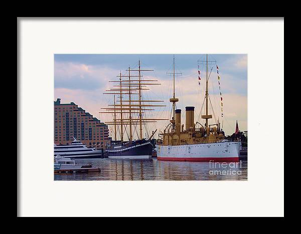 Philadelphia Framed Print featuring the photograph Philadelphia Waterfront Olympia by Debbi Granruth