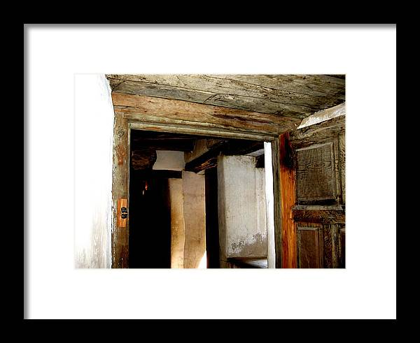 Diana Framed Print featuring the photograph Puerta 3 by Diana Moya