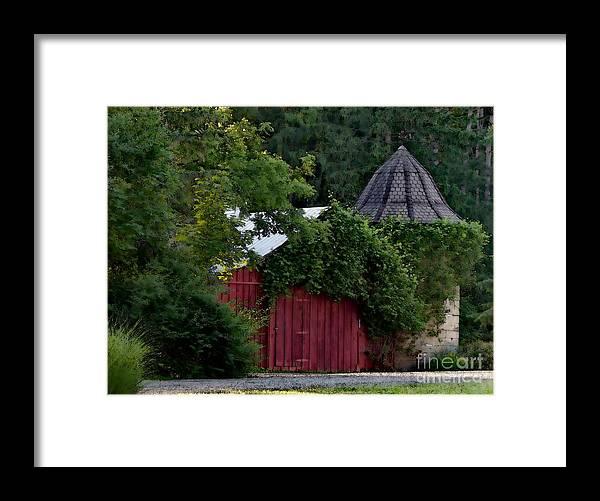Barn Framed Print featuring the photograph Quaint Red Barn by Elizabeth Duggan