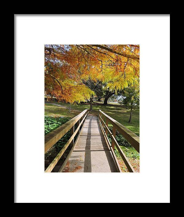 Long Beach Framed Print featuring the photograph Quiet Time by Vicki Tinnon