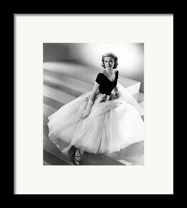 1950s Fashion Framed Print featuring the photograph Rear Window, Grace Kelly, 1954 by Everett