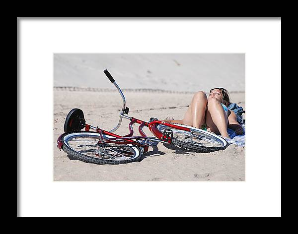 Red Framed Print featuring the photograph Red Bike On The Beach by Rob Hans