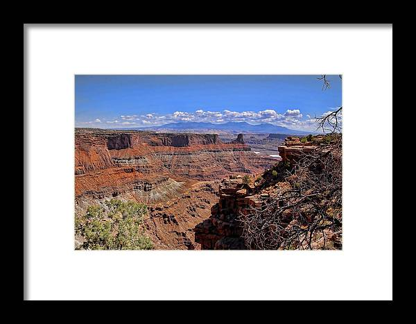 Canyonlands Framed Print featuring the photograph Red Rock Vista 3 by Nick Roberts