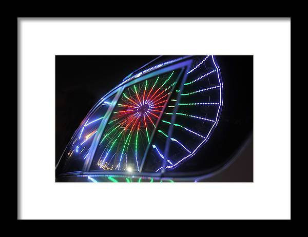 Fair Framed Print featuring the photograph Reflections Of Ferris by David Lee Thompson