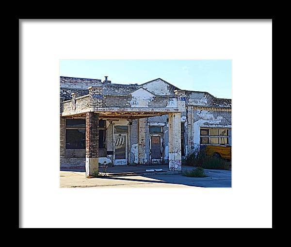 Gas Station Framed Print featuring the photograph Ritzville Ruins by Tim Coleman