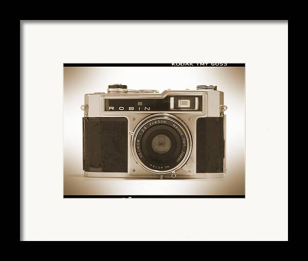 Vintage Robin Framed Print featuring the photograph Robin 35mm Rangefinder Camera by Mike McGlothlen