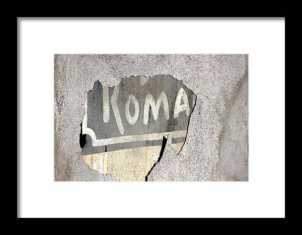 Exposed Wall Framed Print featuring the photograph Roma by Colleen Cornelius