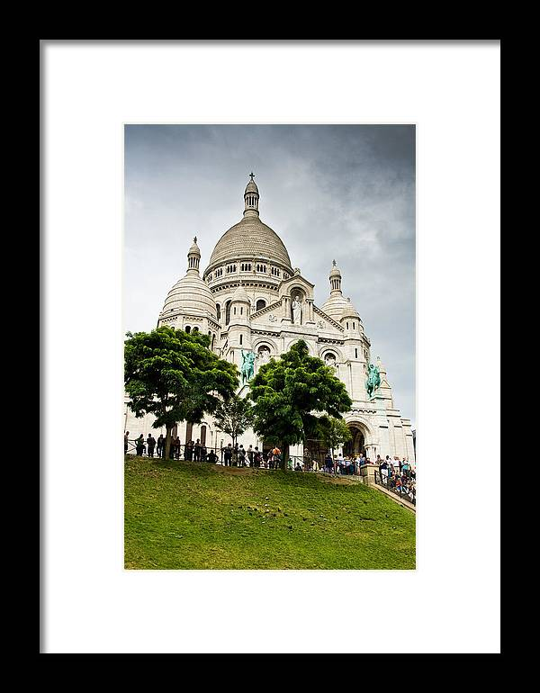 Tree Framed Print featuring the photograph Sacre Coeur by Nelson Mineiro