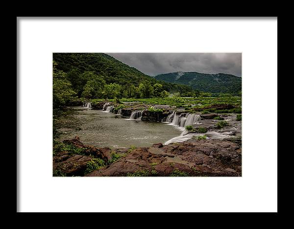 New River Framed Print featuring the photograph Sandstone Falls by William Bentley
